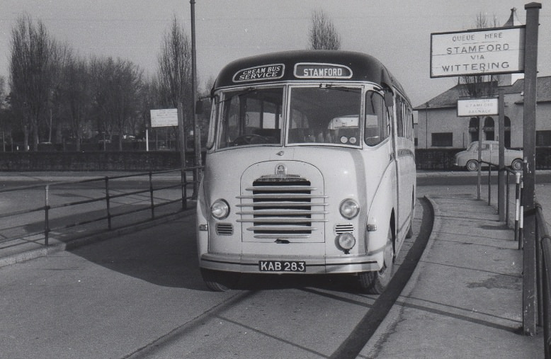 Cream Bus Sevice Bedford at Peterborough old bus station