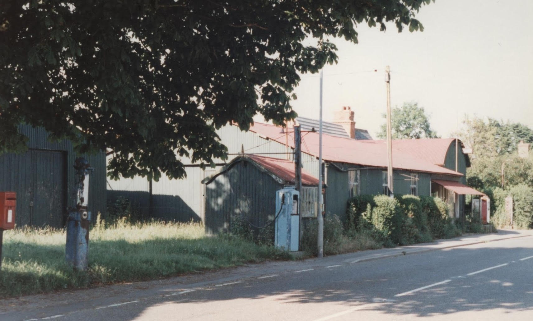 the abandoned garage site at Mareham-le-Fen (LVVS picture)