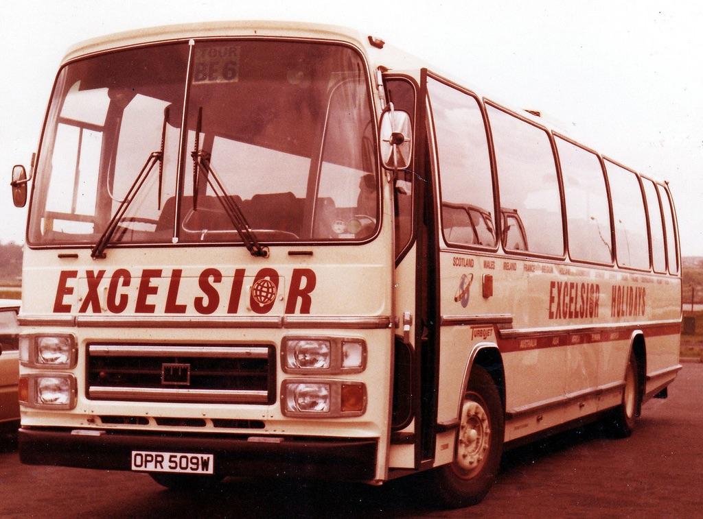 OPR509W - Ford/Plaxton 49-seater, in the fleet 1981-82